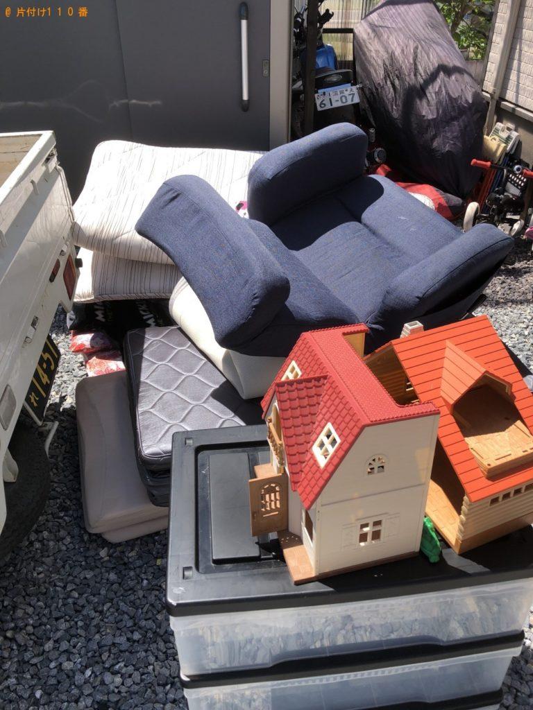 【上田市】遺品整理に伴い衣装ケース、椅子、健康器具、布団等の回収・処分ご依頼